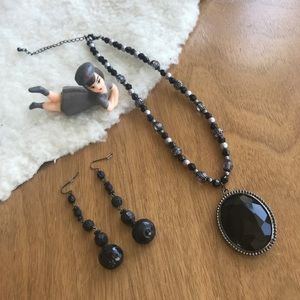 Jewelry - 💎 Lot Black Goth Necklace & Earrings
